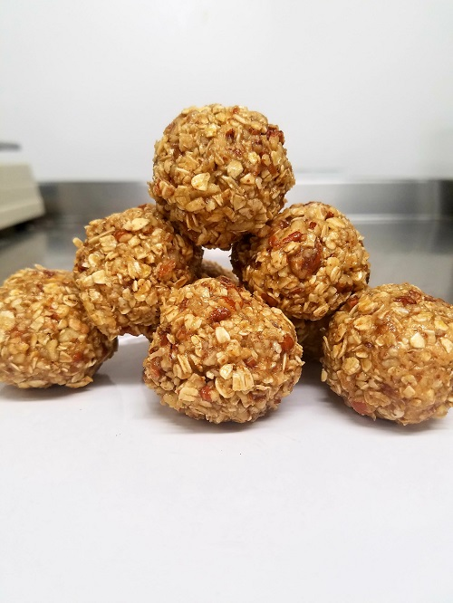 No-Cook Easy Chewy Oat And Pecan Energy Bites