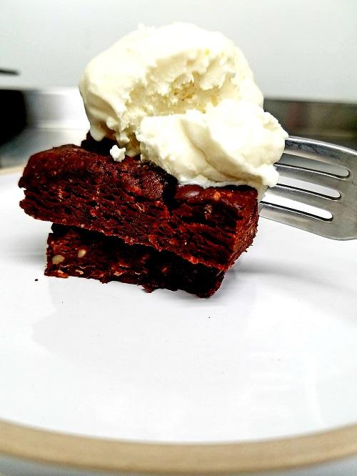 Easy No-Cook Vegan Super Chocolatey Healthy Brownies