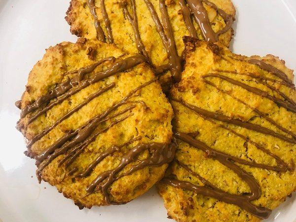 Healthy 3-Ingredient Apple & Almond Breakfast Cookies