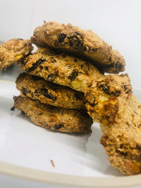 3-Ingredient Healthy Oat And Raisin Cookies