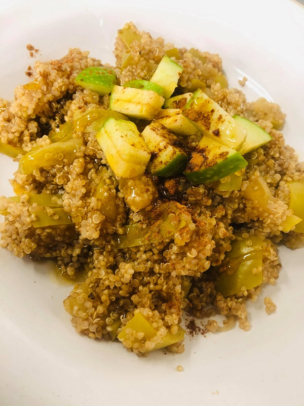 Easy Healthy Cinnamon Apple Breakfast Quinoa