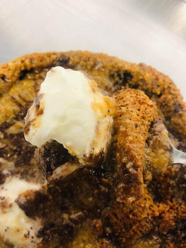 Easy Gluten-Free Vegan Skillet Chocolate Chip Cookie
