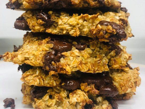 Easy 3-Ingredient Vegan Chocolate Oat Cookies