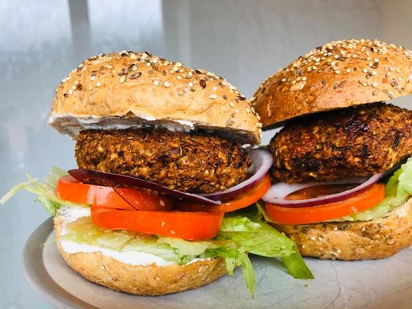 Easy Healthy Vegan BBQ Burgers