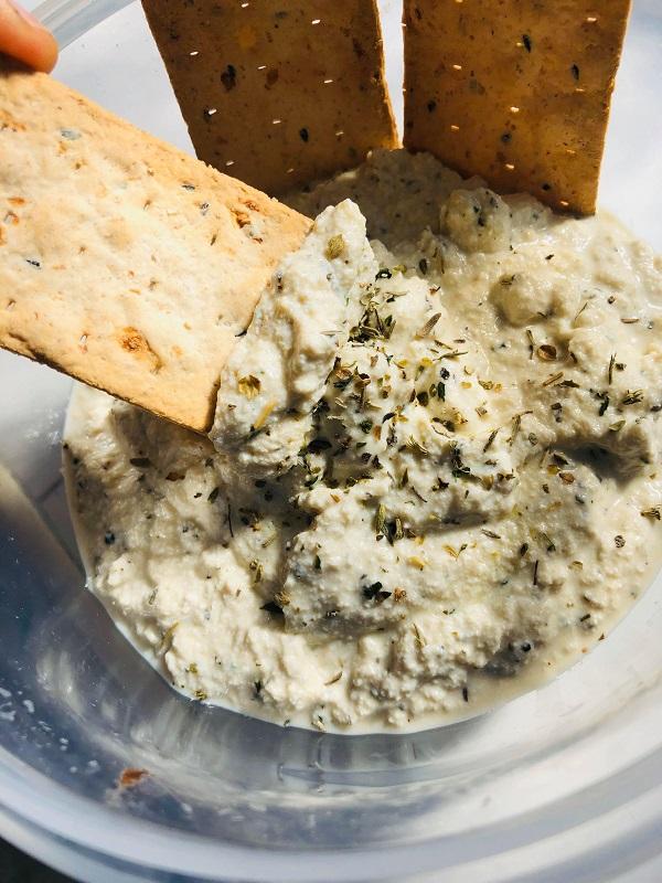 5-Ingredient Vegan Garlic & Herb Ricotta