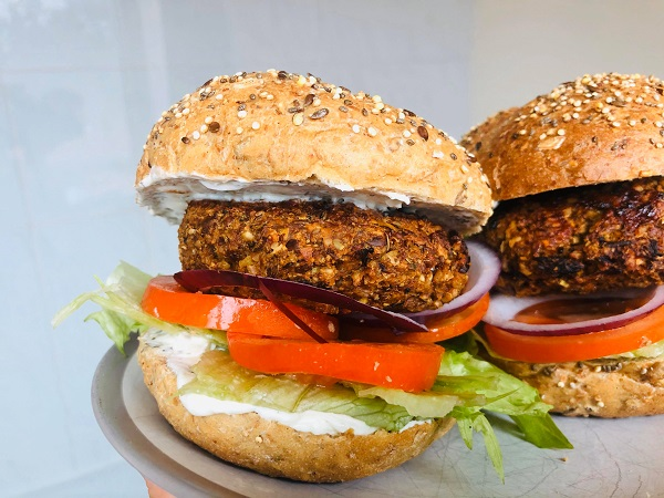 Easy Healthy Vegan BBQ Burgers