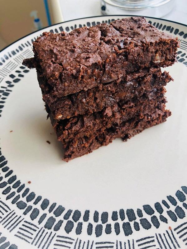 Easy Vegan Protein Fudge Brownies