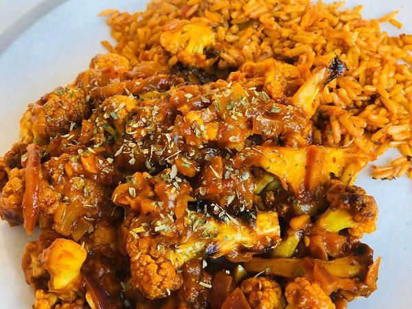 25-Minute Healthy Cauliflower Tikka Curry