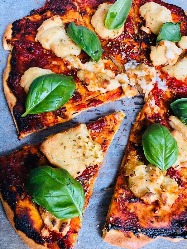 Quick Vegan Margherita Pizza