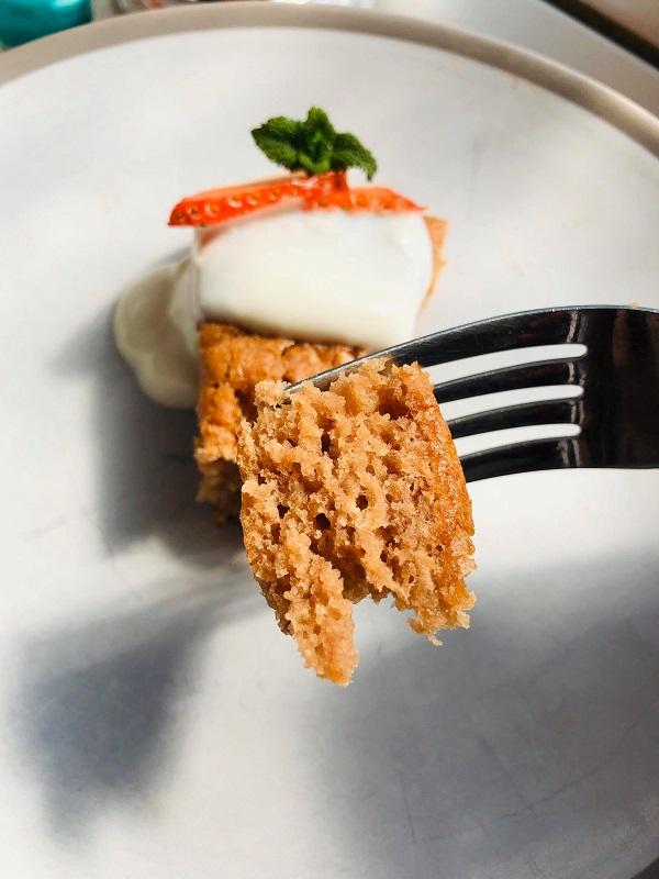 Oil-Free Easy Vegan Strawberry Cake