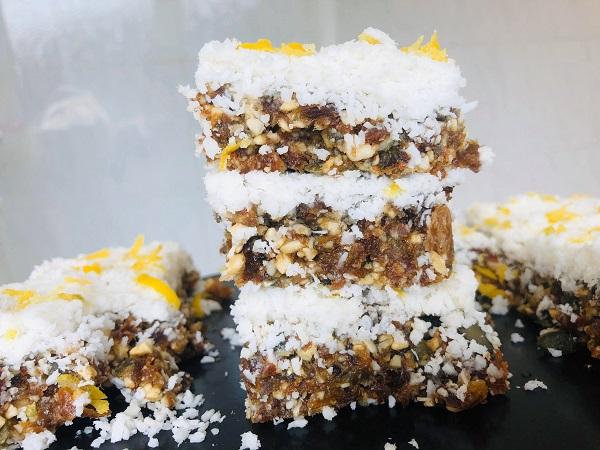 Healthy Vegan Raw 5-Ingredient Lemon Bars