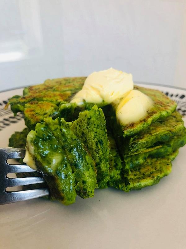 Super Easy Vegan Spinach Pancakes (No-Banana)
