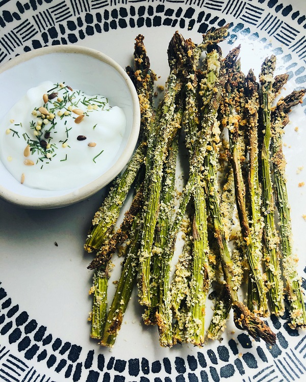 Easy Vegan Parmesan Baked Asparagus Fries
