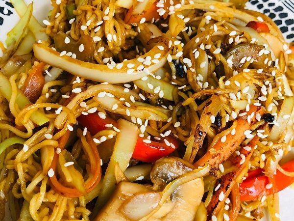 Easy Healthy Vegan Vegetable Chow Mein