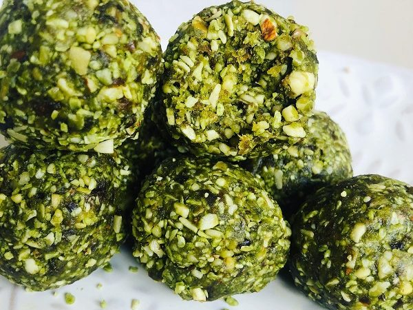 4-Ingredient & 5-Minute Healthy Matcha Bites