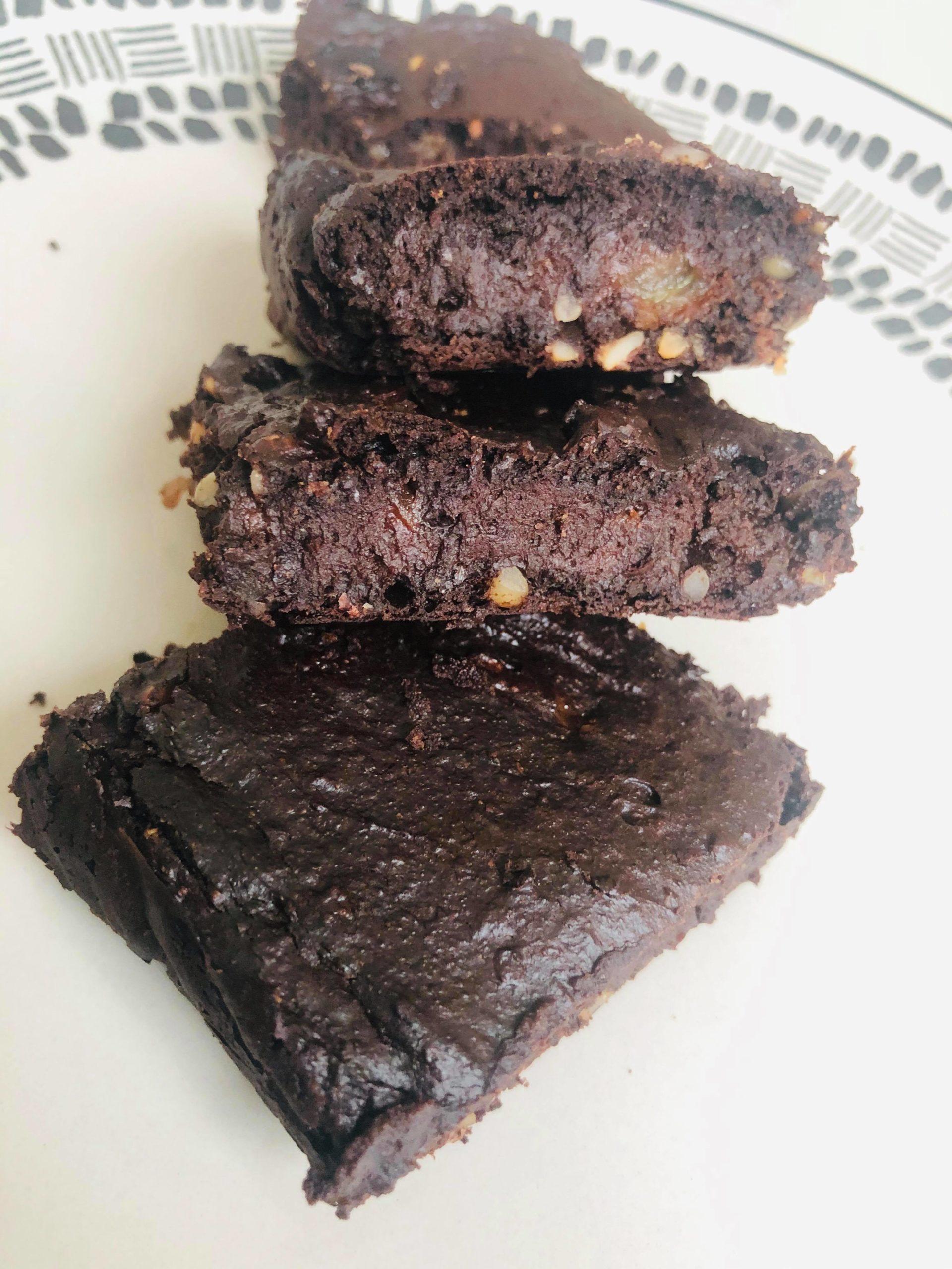 3-Ingredient Healthy Vegan Fudge Brownies
