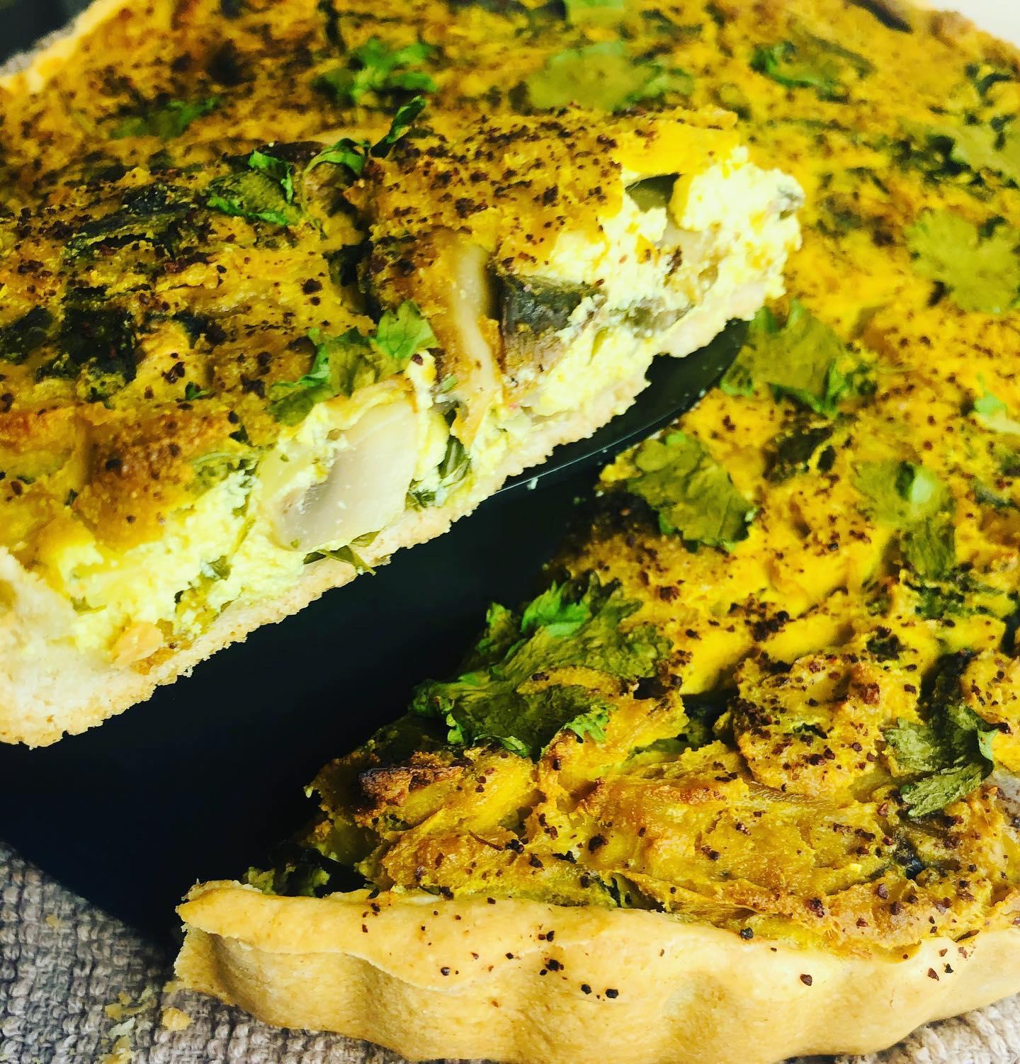 Easy Creamy Vegan Spinach & Mushroom Quiche