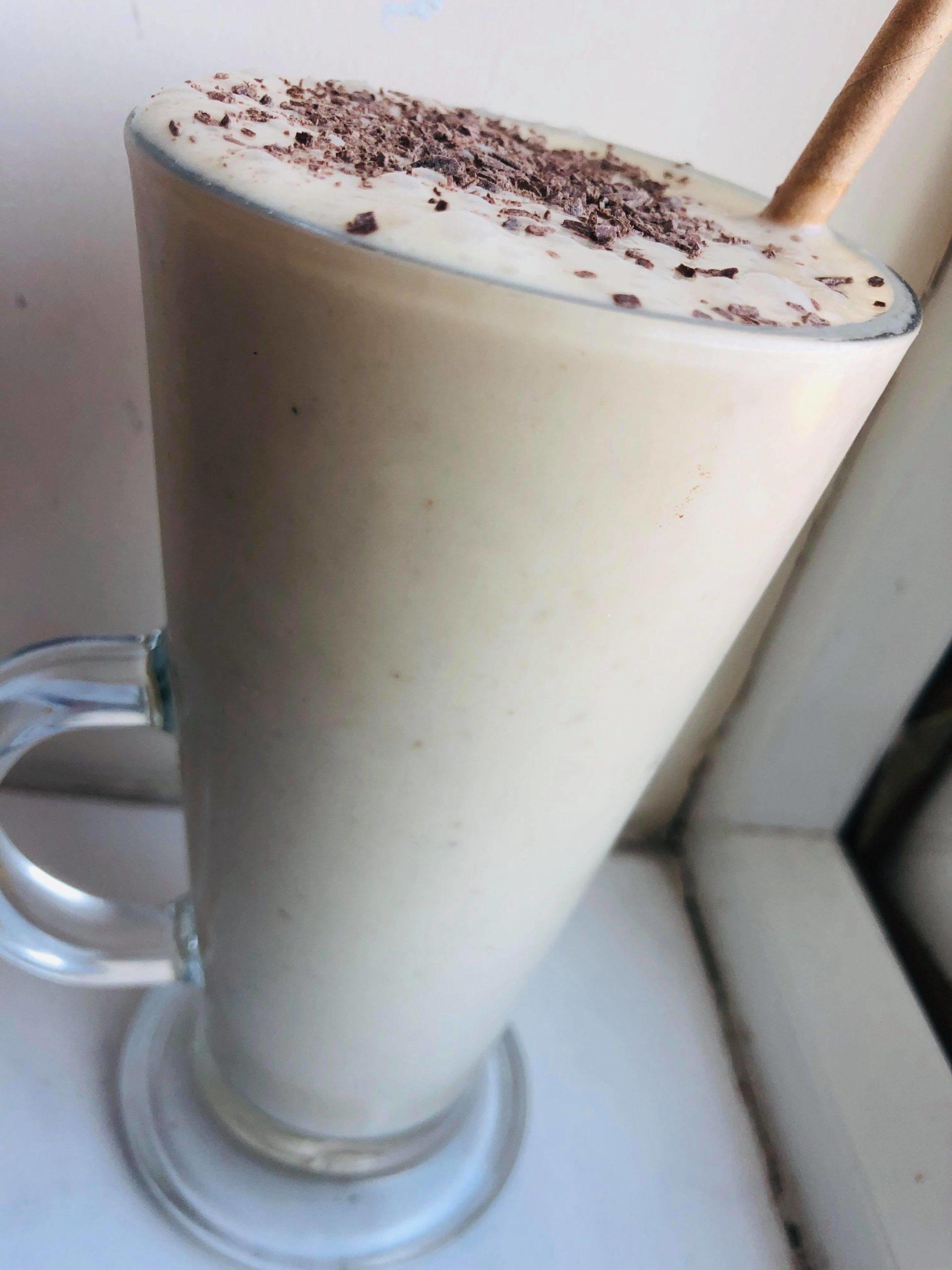 4-Ingredient Healthy Creamy Nutty Vegan Milkshake