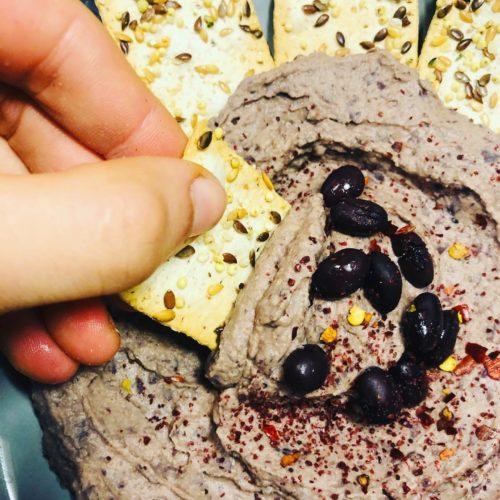 5-Minute Oil-Free Creamy Black Bean Hummus