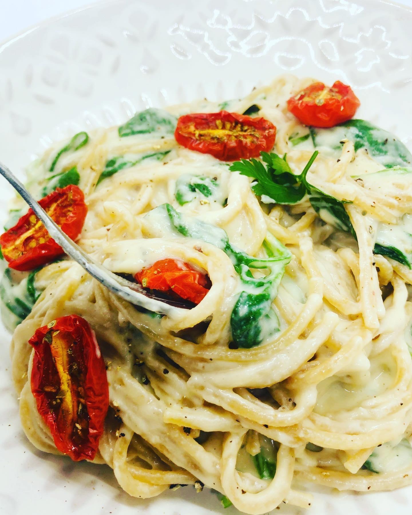 10-Minute Creamy Vegan Alfredo Pasta
