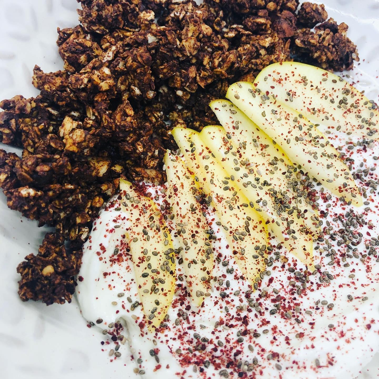 Easy Healthy Vegan Chocolate Granola