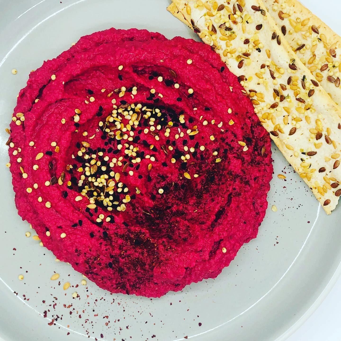5-Minute Creamy Beetroot Hummus