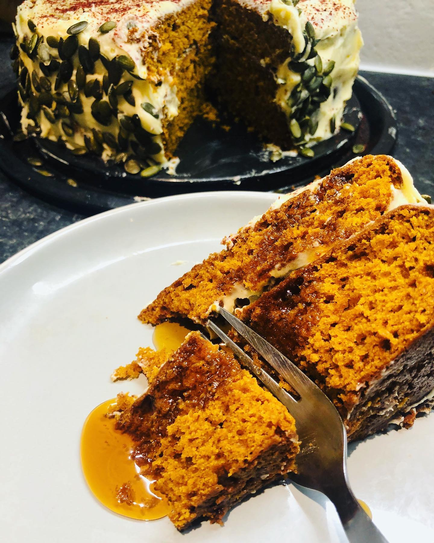 Easy Fluffy Vegan Pumpkin Cake With Maple Icing