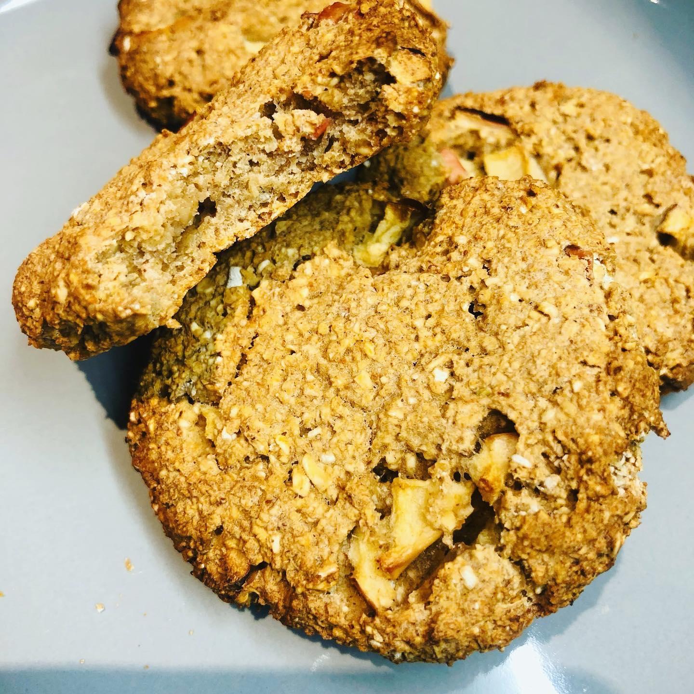 Easy Healthy Vegan Apple & Oat Cinnamon Cookies