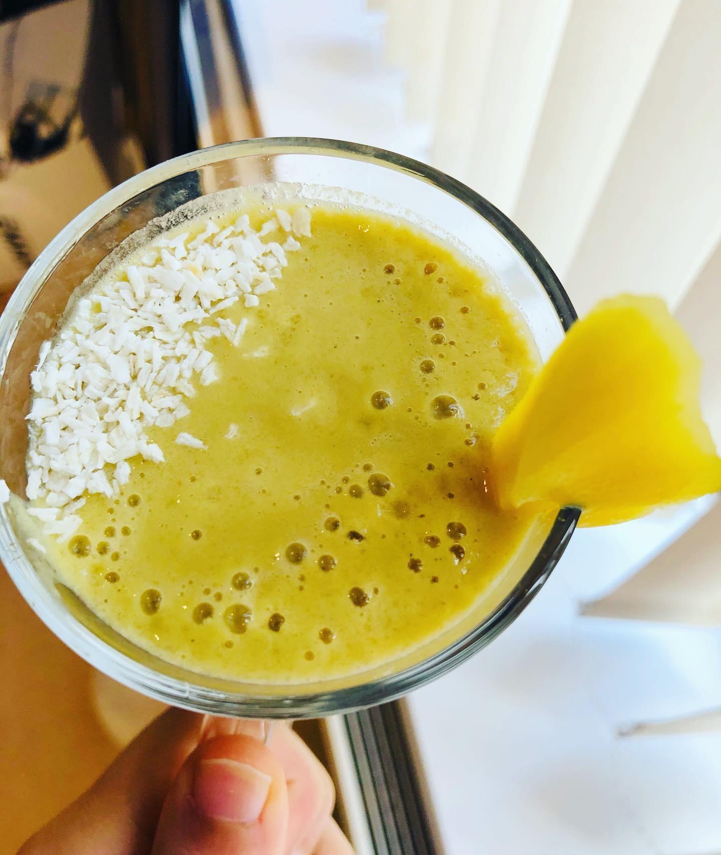 3-Ingredient 200 Calorie Protein Mango Smoothie